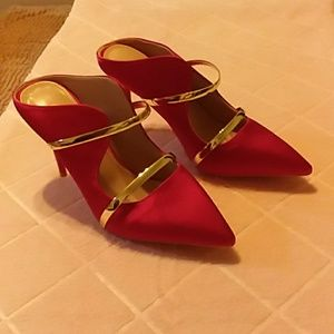 Gorgeous red silk shoes